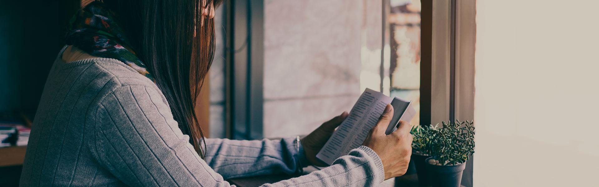 Por que é importante que as mulheres tenham conhecimento bíblico?